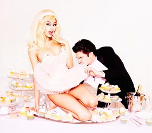 Zahia Dehar Loves Cakes