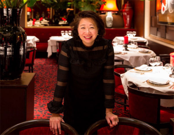 Madame Ly au restaurant rue Lord Byron